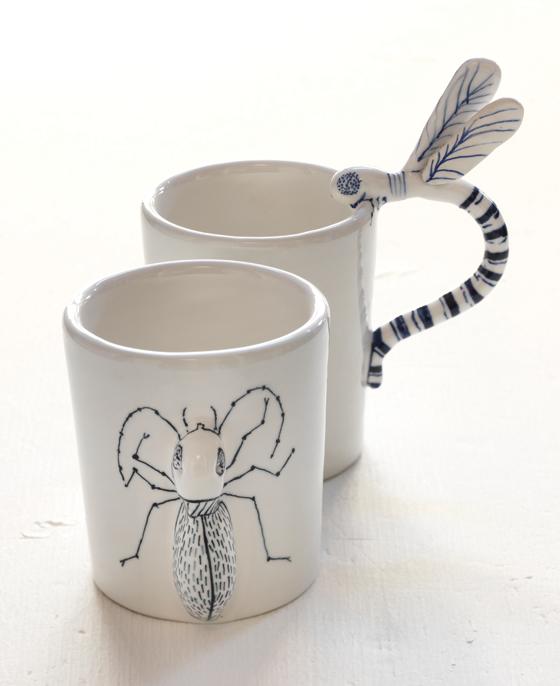 Céramiques insectes réalisées à la main dans la communauté Saman, à Ravenne, Italie. © Florence Boudet pour Shop Saman