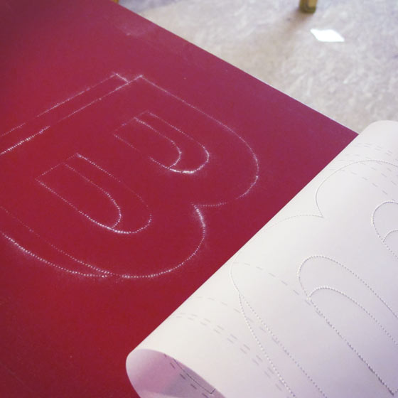 Travail en cours, peinture en lettre : Enseigne Le Bistrot des Carmes à Angers @Florence boudet