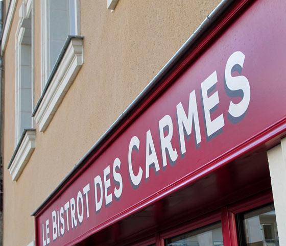 Enseigne Le Bistrot des Carmes à Angers, peinte à la main @Florence Boudet