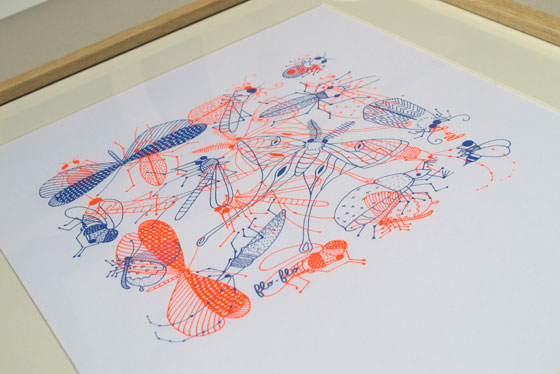 Nuée d'insectes encadrée, série sérigraphié en 2 passages couleurs. ©Florence Boudet