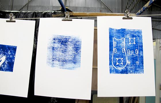 Résidence Papier/Machine : Impressions en relief de chutes usinées au fablab plateforme C à Nantes. © Florence Boudet